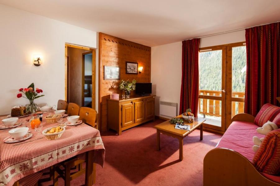 Holiday in mountain resort Résidence la Turra - Valfréjus - Living room