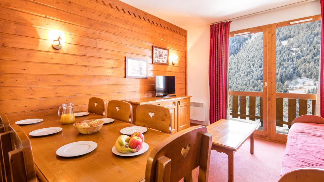 Urlaub in den Bergen Résidence la Turra - Valfréjus - Tisch