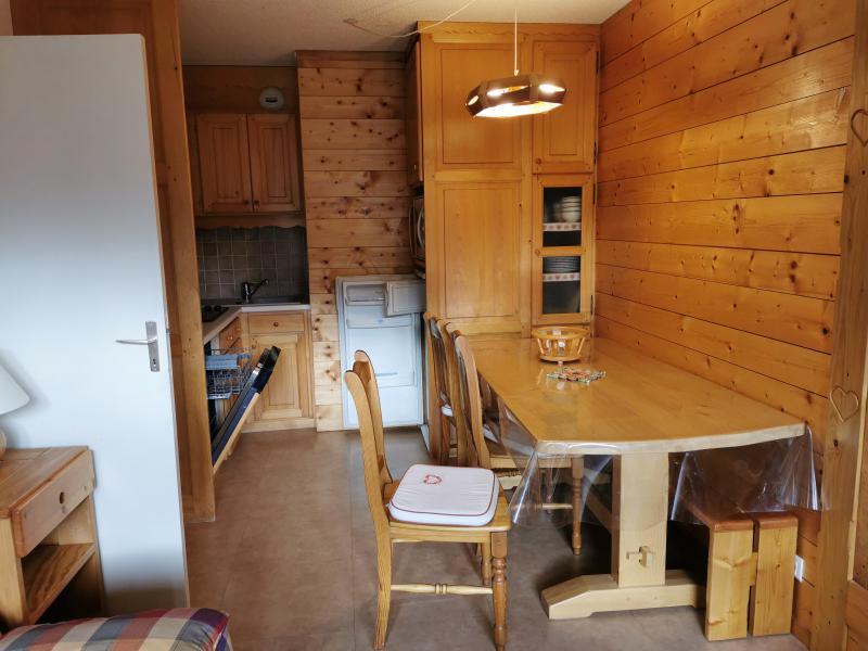 Vacances en montagne Appartement 2 pièces 6 personnes (041) - Résidence la Vanoise - Méribel-Mottaret - Table