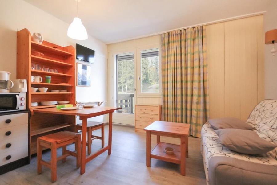 Holiday in mountain resort Studio sleeping corner 4 people (628) - Résidence la Vanoise - La Rosière - Dining area