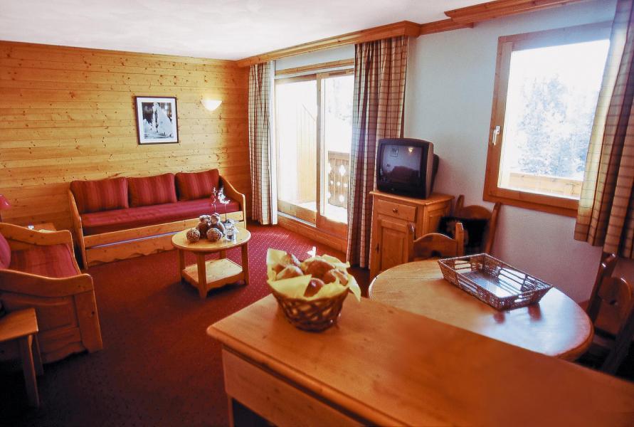 Holiday in mountain resort Résidence Lagrange Aspen - La Plagne - Settee