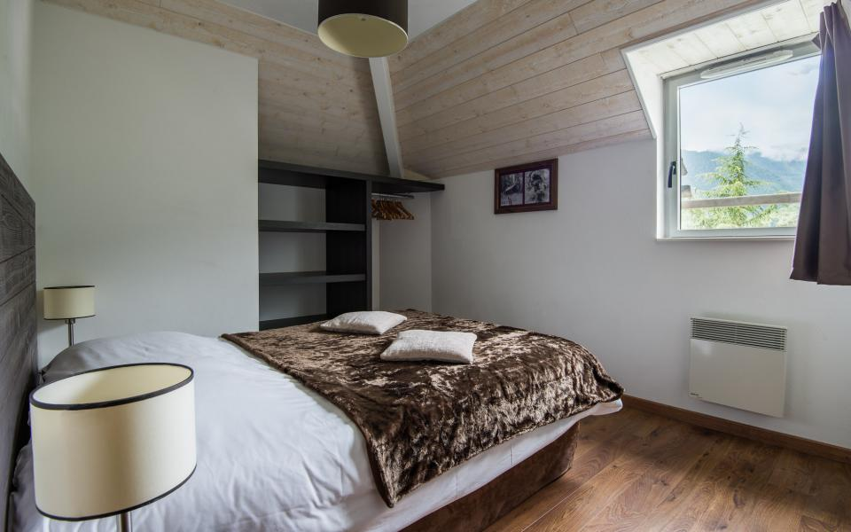 Holiday in mountain resort Résidence Lagrange le Clos Saint Hilaire - Saint Lary Soulan - Double bed