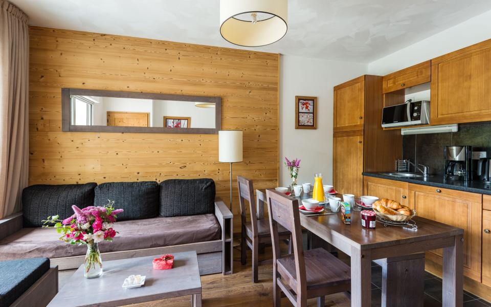 Holiday in mountain resort Résidence Lagrange le Clos Saint Hilaire - Saint Lary Soulan - Kitchen