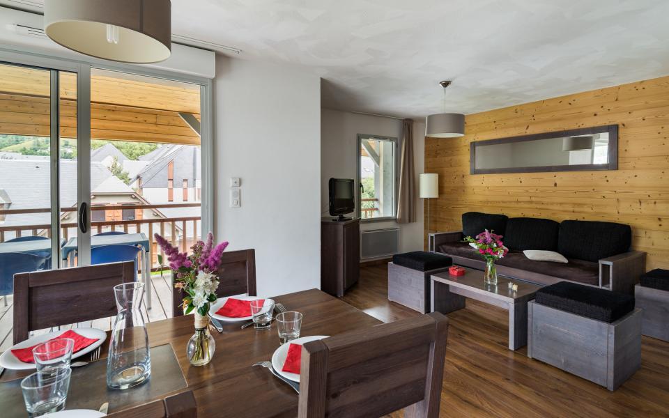 Holiday in mountain resort Résidence Lagrange le Clos Saint Hilaire - Saint Lary Soulan - Living area