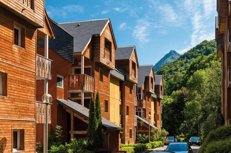 Location au ski Residence Lagrange Le Domaine Des 100 Lacs - Cauterets - Extérieur été