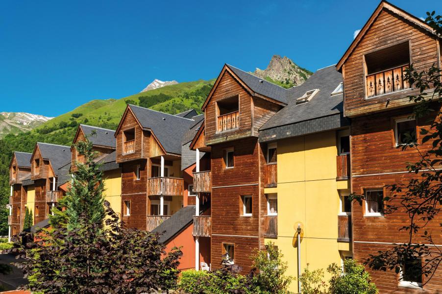 Vacances en montagne Résidence Lagrange le Domaine des 100 Lacs - Cauterets - Extérieur été