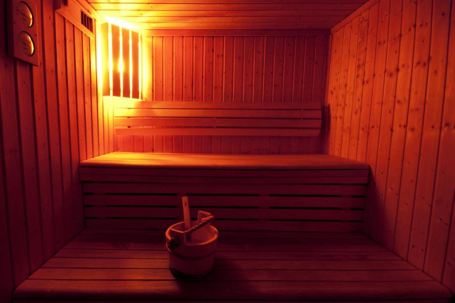 Holiday in mountain resort Résidence Lagrange le Grand Panorama 2 - Valmeinier - Sauna