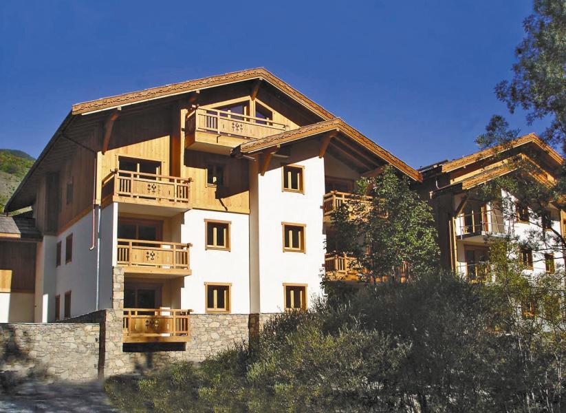 Urlaub in den Bergen Résidence Lagrange le Hameau du Rocher Blanc - Serre Chevalier - Draußen im Sommer