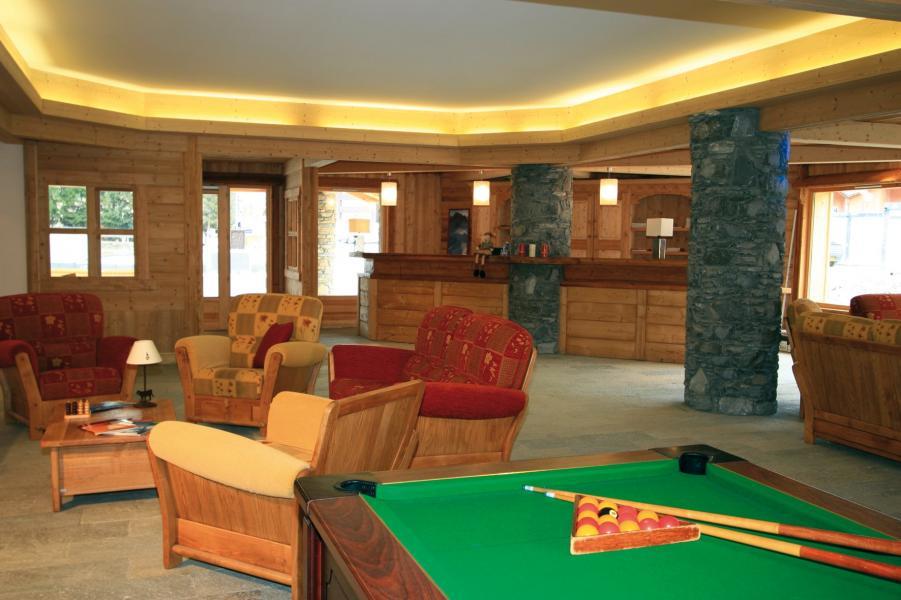 Holiday in mountain resort Résidence Lagrange le Hameau du Rocher Blanc - Serre Chevalier - Pool