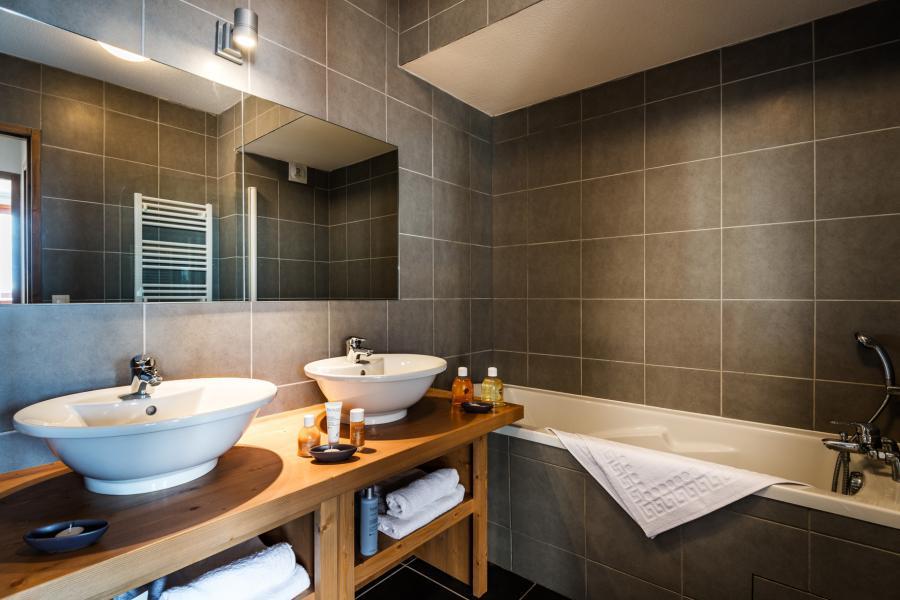 Holiday in mountain resort Résidence Lagrange le Roc Belle Face - Les Arcs - Bathroom