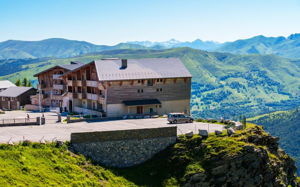 Vacances en montagne Résidence Lagrange les Chalets de l'Adet - Saint Lary Soulan - Extérieur été