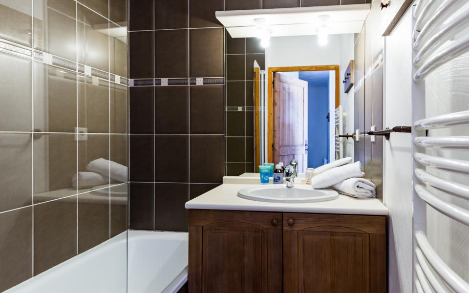 Holiday in mountain resort Résidence Lagrange les Chalets de l'Adet - Saint Lary Soulan - Bathroom