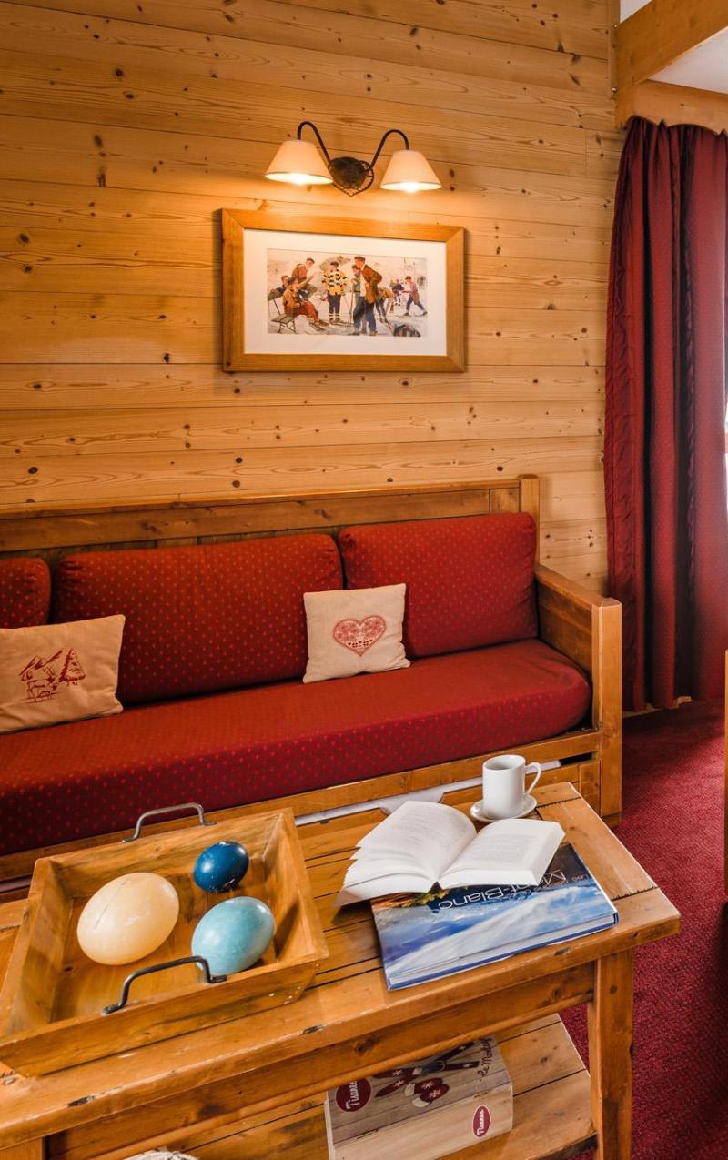 Urlaub in den Bergen Résidence Lagrange les Hauts de Comborcière - La Toussuire - Tisch