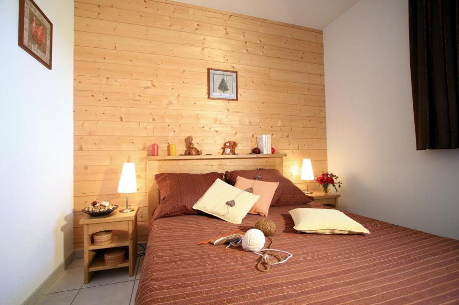 Holiday in mountain resort Résidence Lagrange Prat de Lis - Les Angles - Double bed