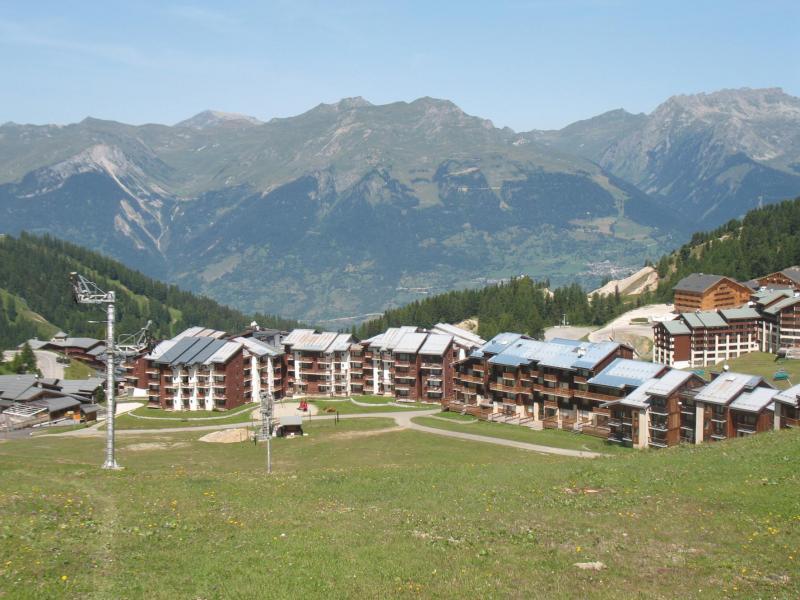 Vacances en montagne Résidence Lagrange Vrt - La Plagne - Extérieur été
