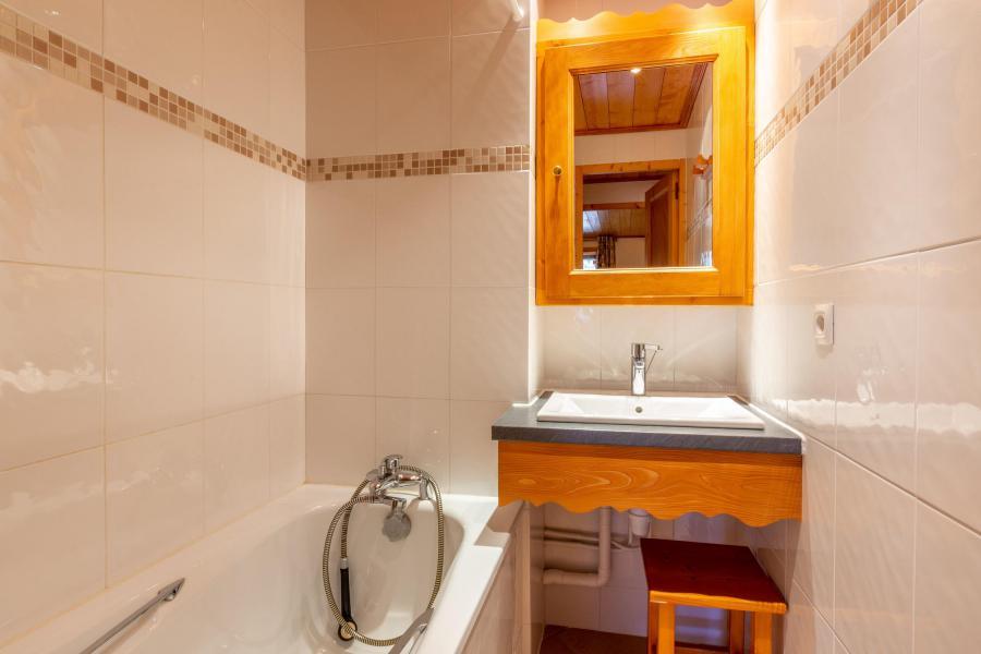 Vacances en montagne Appartement 3 pièces 6 personnes (018) - Résidence Lama - Méribel-Mottaret - Baignoire