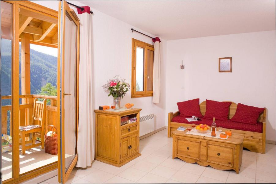 Urlaub in den Bergen Résidence le Balcon des Airelles - Les Orres - Kleines Wohnzimmer