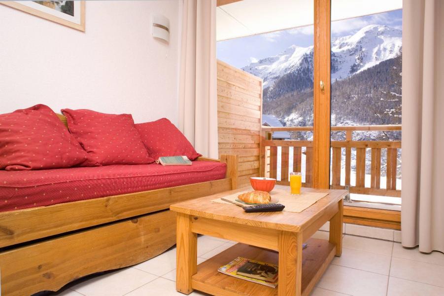 Urlaub in den Bergen Résidence le Balcon des Airelles - Les Orres - Wohnzimmer
