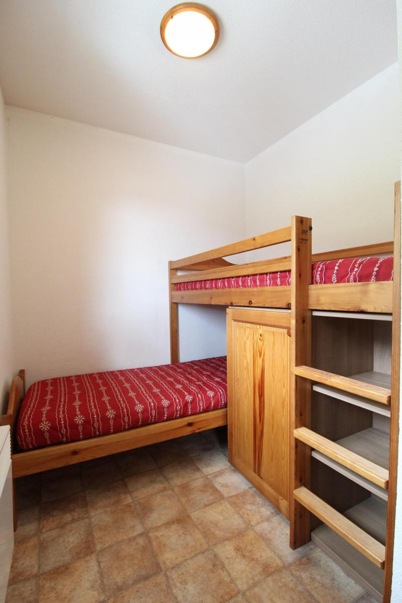 Holiday in mountain resort 3 room apartment 6 people (B33) - Résidence le Bonheur des Pistes - Val Cenis - Bunk beds