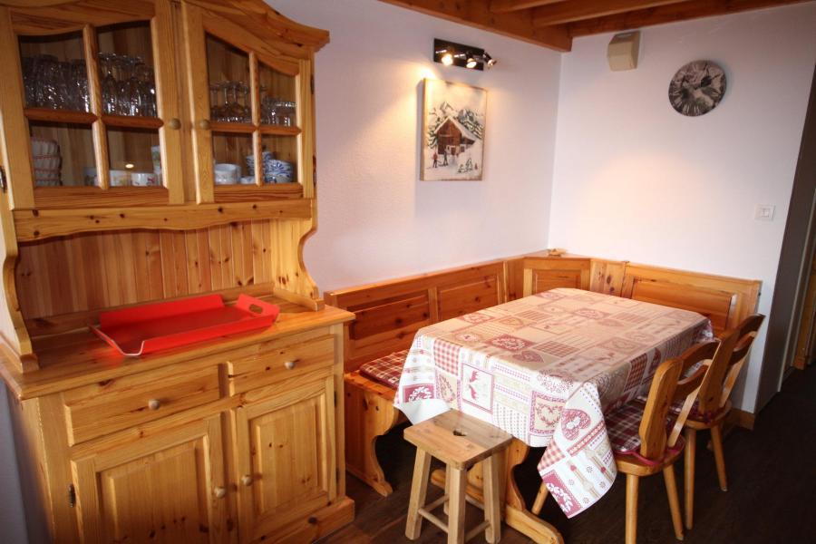 Vacaciones en montaña Apartamento 3 piezas mezzanine para 8 personas (020) - Résidence le Byblos - Les Saisies - Mesa