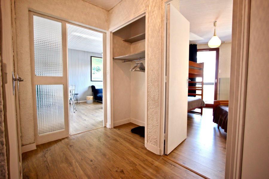 Vacances en montagne Appartement 2 pièces 6 personnes (105) - Résidence le Cap 2000 - Chamrousse - Couloir