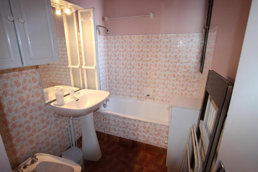 Vacances en montagne Appartement 2 pièces 6 personnes (406) - Résidence le Cap 2000 - Chamrousse - Baignoire