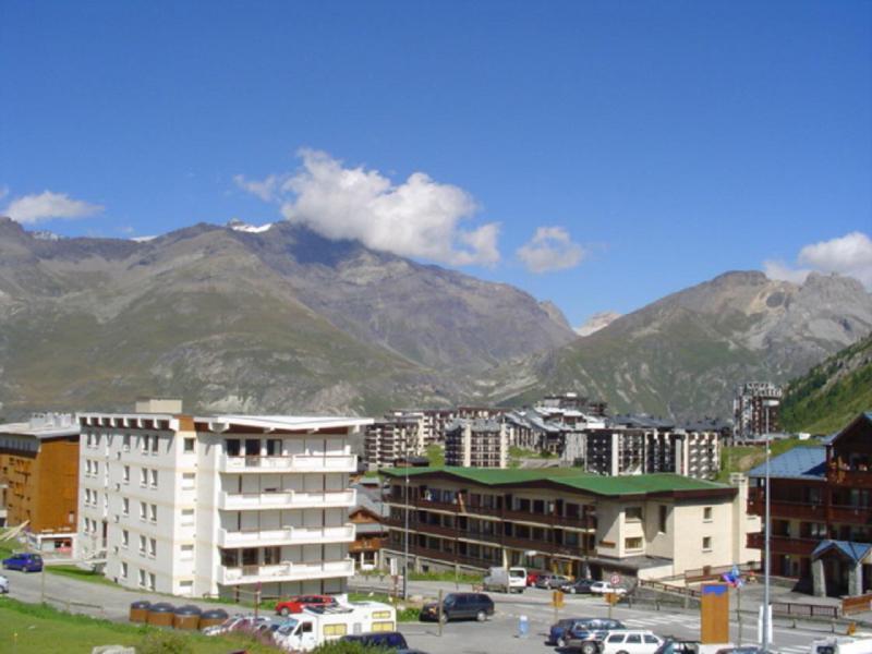 Vacances en montagne Résidence le Chalet de la Tour - Tignes - Extérieur été