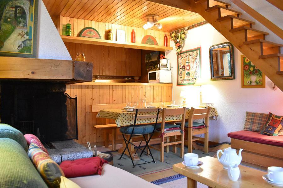 Vacances en montagne Appartement duplex 3 pièces 6 personnes (19) - Résidence le Chasseforêt - Méribel - Table