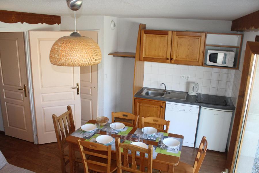 Vacaciones en montaña Apartamento 3 piezas para 6 personas (404) - Résidence le Chevreuil la Crête du Berger - La Joue du Loup - Mesa