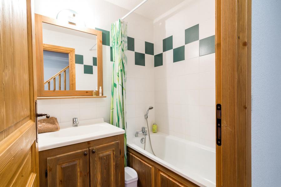 Holiday in mountain resort Résidence le Clos Vanoise - Bessans - Bathroom