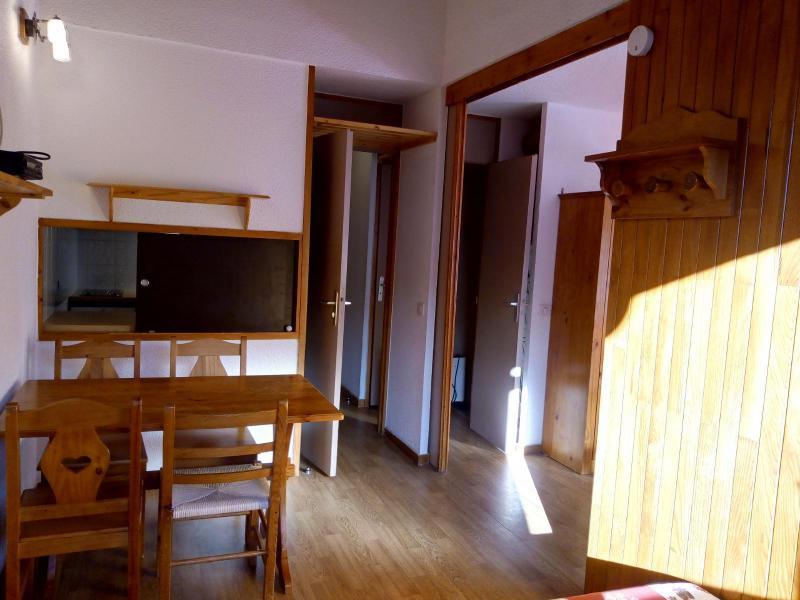 Vacances en montagne Studio 4 personnes (077) - Résidence le Dandy - Méribel-Mottaret - Table