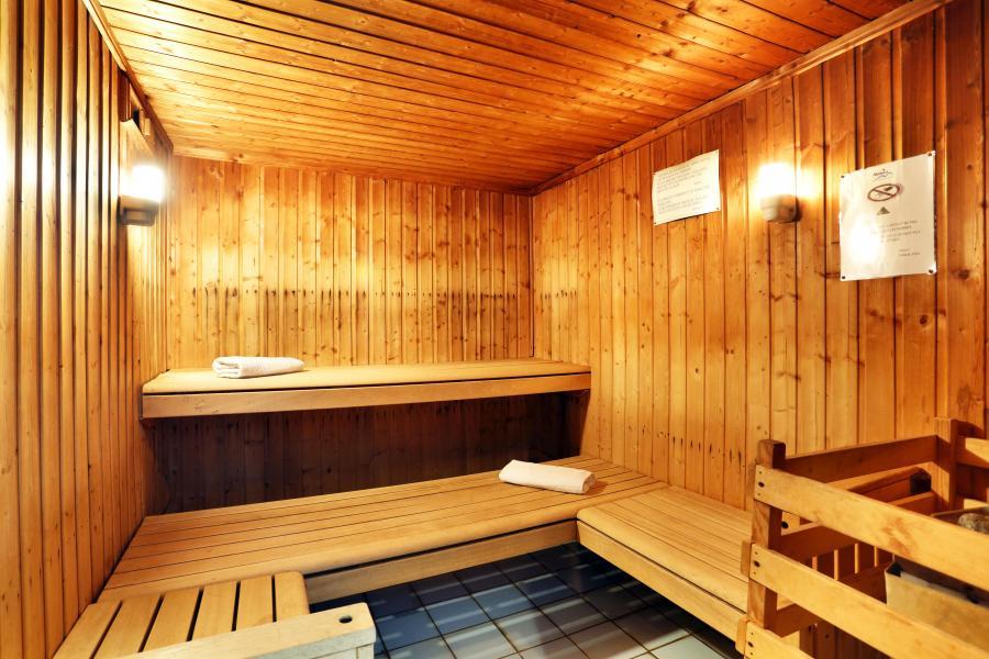 Holiday in mountain resort Résidence le Domaine du Grand Tétras - Samoëns - Sauna