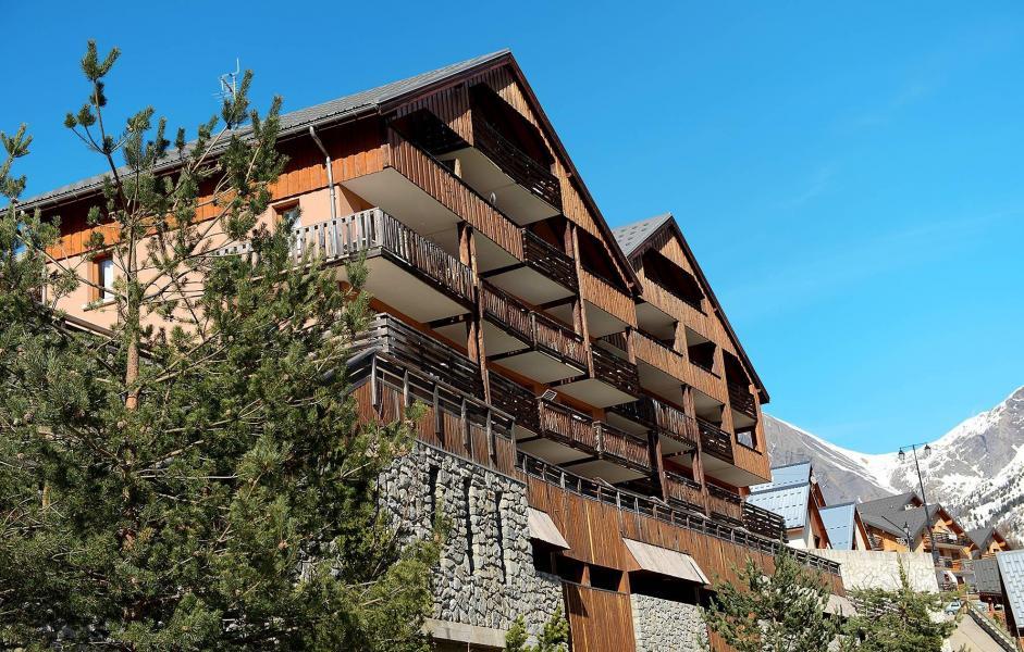 Location au ski Résidence le Dôme des Rousses - Vaujany - Extérieur été