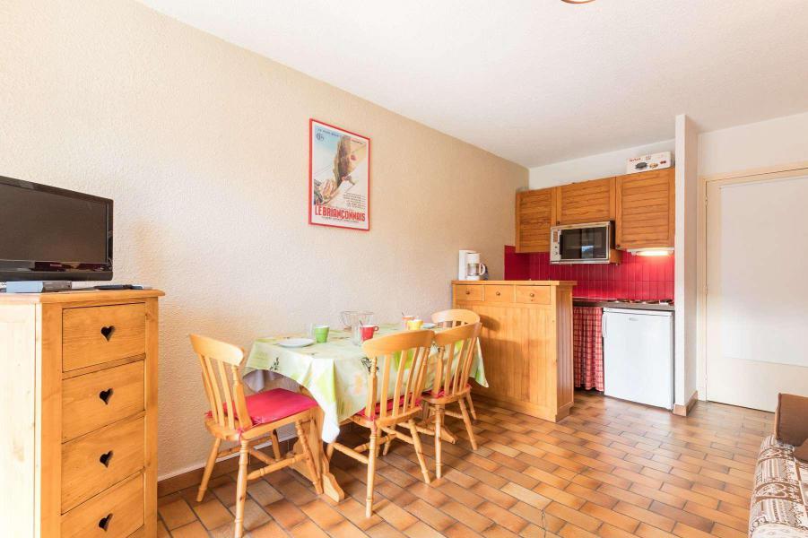 Каникулы в горах Квартира студия со спальней для 4 чел. (NED103) - Résidence Le Forum - Serre Chevalier - Стол