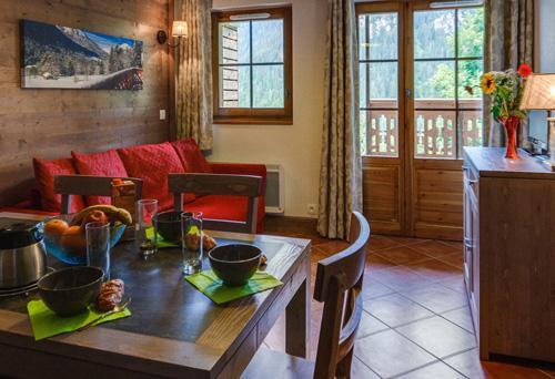Vacances en montagne Residence Le Grand Lodge - Chatel - Coin repas
