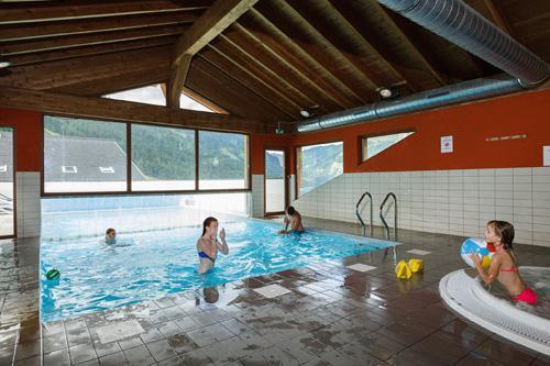 Vacances en montagne Residence Le Grand Lodge - Chatel - Piscine