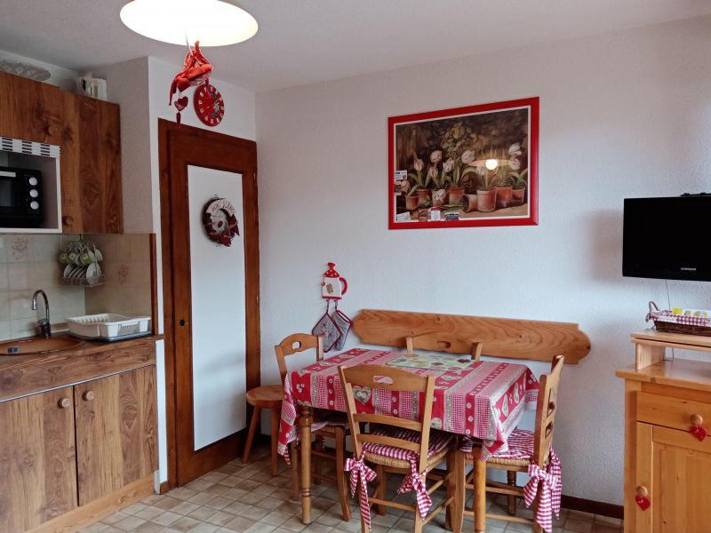 Vacances en montagne Appartement 2 pièces 4 personnes (JR9) - Résidence le Joran - Châtel - Table