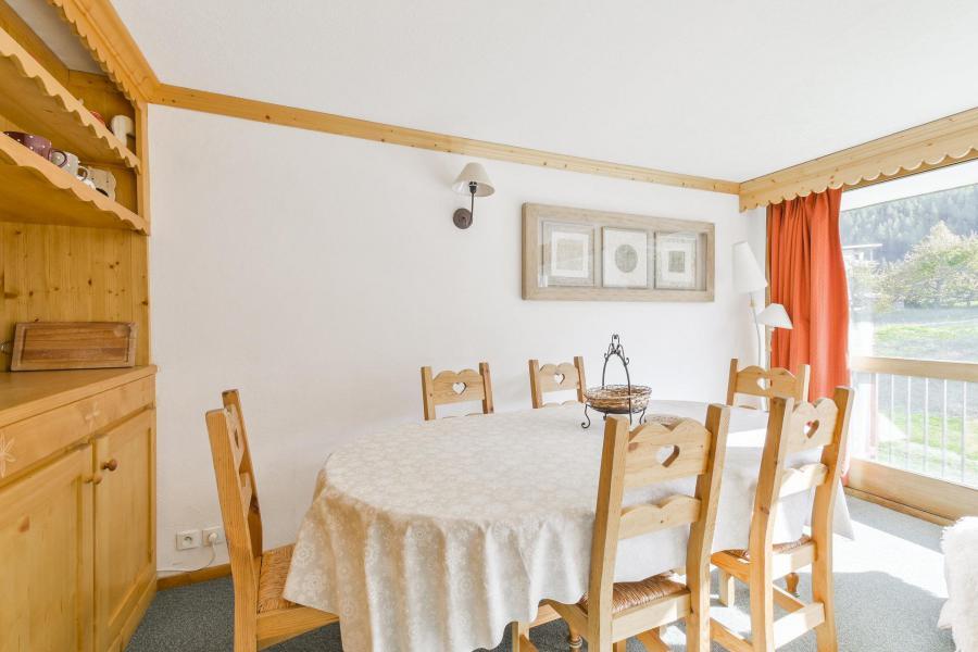 Wakacje w górach Apartament 3 pokojowy 6 osób (37) - Résidence le Lac - Courchevel - Stołem