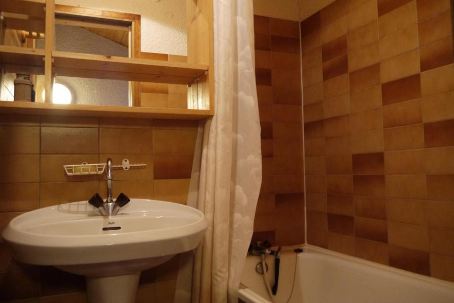 Vacances en montagne Studio mezzanine 4 personnes (F07) - Résidence le Lac Blanc - Méribel-Mottaret - Baignoire