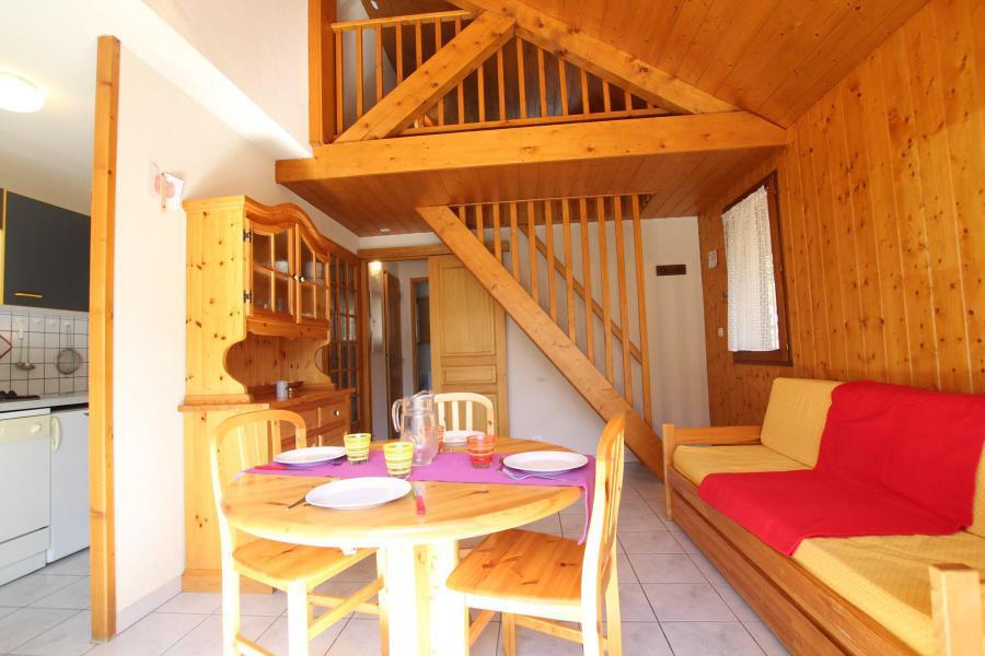 Wakacje w górach Apartament duplex 2 pokojowy 4 osób (LAUROE) - Résidence le Lauzin - Montgenèvre - Stołem