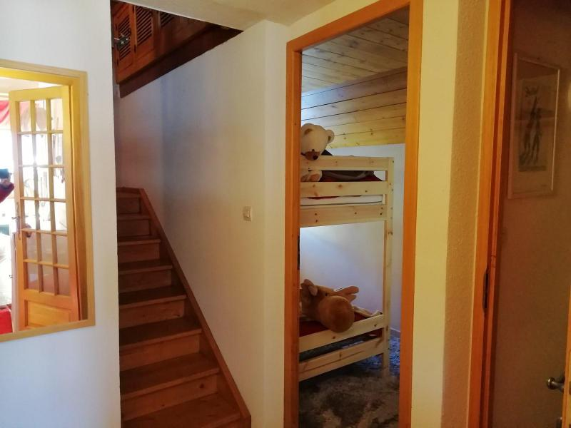 Wakacje w górach Apartament duplex 3 pokojowy 6 osób (LAUGAR) - Résidence le Lauzin - Montgenèvre - Schodami