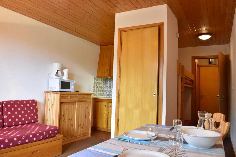Holiday in mountain resort Studio 4 people (015) - Résidence le Méribel - Méribel - Accommodation