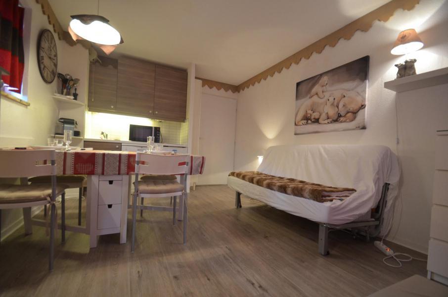 Vacances en montagne Appartement 2 pièces 4 personnes (305) - Résidence le Nécou - Les Menuires - Canapé-bz