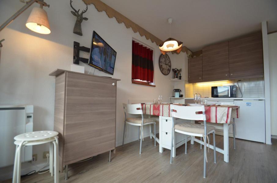 Vacances en montagne Appartement 2 pièces 4 personnes (305) - Résidence le Nécou - Les Menuires - Coin repas