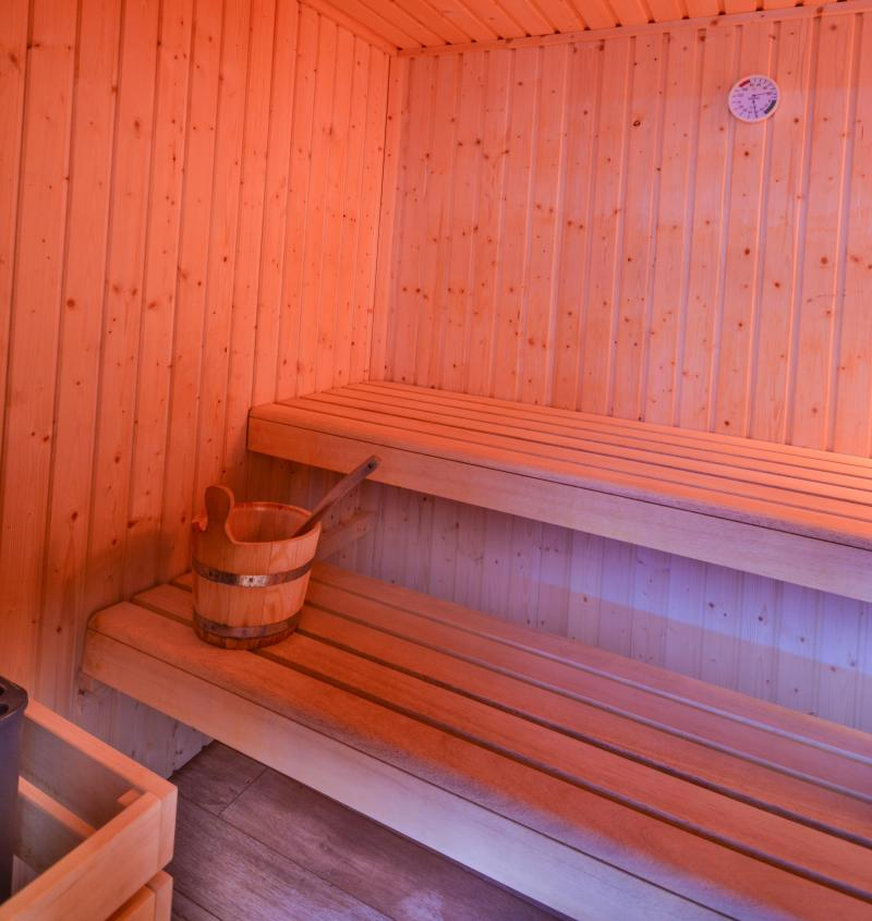 Holiday in mountain resort Résidence le New Chastillon - Isola 2000 - Sauna
