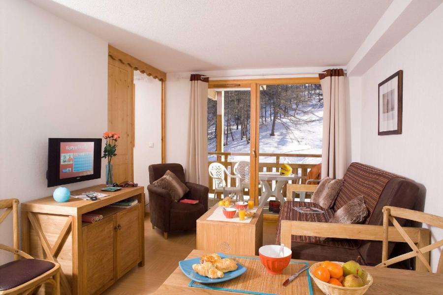 Holiday in mountain resort Résidence le Parc des Airelles - Les Orres - Living area