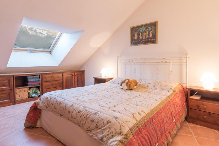 Vacances en montagne Appartement 3 pièces 6 personnes (SARA21) - Résidence Le Parthénon - Montgenèvre - Chambre mansardée