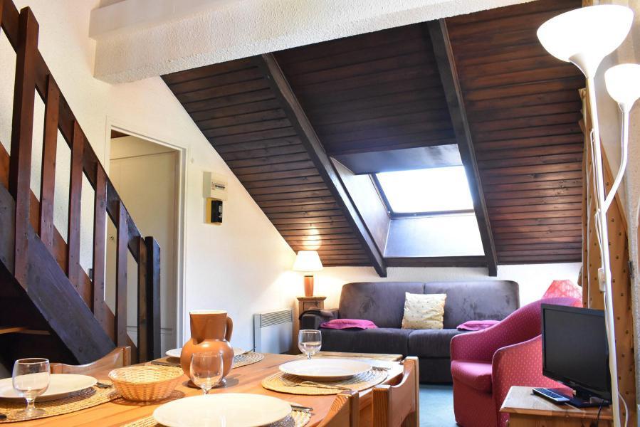 Holiday in mountain resort Studio mezzanine 4 people (A21) - Résidence le Pétaru - Méribel - Accommodation