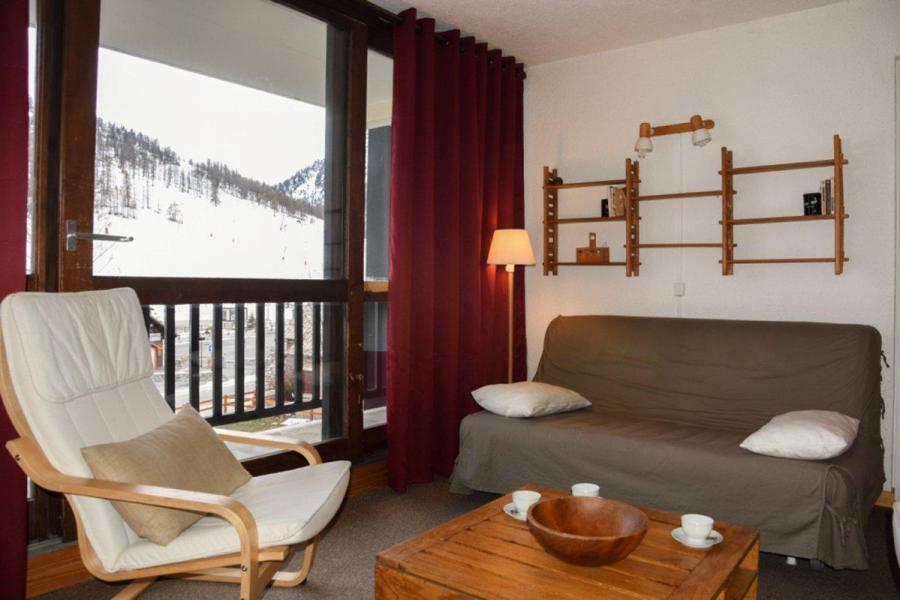 Holiday in mountain resort 2 room apartment sleeping corner 6 people (B17) - Résidence le Praya - Montgenèvre - Living area