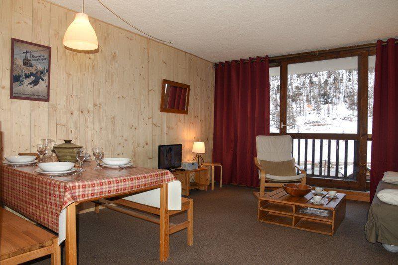 Holiday in mountain resort 2 room apartment sleeping corner 6 people (B17) - Résidence le Praya - Montgenèvre - Living room